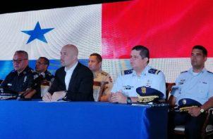 Autoridades designadas del Minseg y Policía, presentaron ayer a los nuevos directivos del Senafront y Senan. Foto de Adiel Bonilla