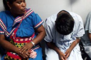 Dos de los siete estudiantes de nivel primario permanecían este martes recluidos en el hospital José Domingo de Obaldía debido a los golpes que recibieron al caer de las viejas estructuras. Foto/José Vásquez