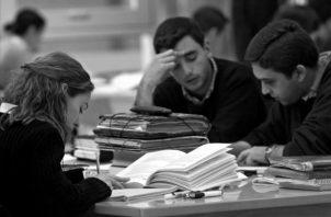 Las universidades parecen más preocupadas de los ranking de imposible escalamiento para llegar a la posición centésima, que de ser pertinentes a las necesidades del país. Foto: Archivo.