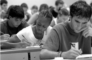 La calidad del conocimiento y del aprendizaje está determinada, en buena medida, por la calidad de la educación, pieza fundamental para acrecentar el capital humano nacional y reducir la desigualdad. Foto: Archivo.