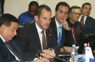 ¡Escándalo; 100 millones en planillas de presidencia y ministerios y contrato para empresa familiar de Federico Humebrt! Foto: Panamá América.