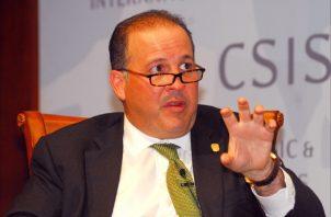 El gobierno de panamá, a través del embajador en estados Unidos, contrató al bufete norteamericano Foley Hoag LLP para tramitar la extradición del exmandatario de Panamá, Ricardo Martinelli.