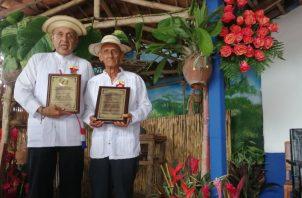 Folcloristas homenajeados. Foto: Cortesía