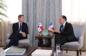 El canciller Alejandro Ferrer, recibió al ministro Darmanin en una reunión de trabajo que duró casi dos horas.