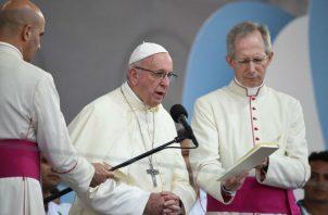 """Papa Francisco: """"Esta sociedad consume y se consume"""", mensaje en el Viacrucis de la Cinta Costera. Foto: JMJ"""