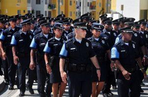 Los unidades de la Fuerza Pública ya cuentan con una tarjeta de descuentos y ahora se ampliará los beneficios y se suman más comercios.