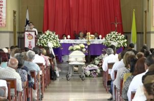 Su cuerpo fue trasladado hasta el Cementerio Municipal de Dolega donde se le dio cristiana sepultura. Foto/José Vásquez
