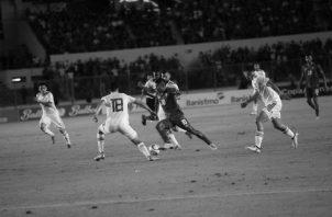 """El fútbol es un agente de la sociedad de masas. El mundo se dirige a la globalización y con este juego se está produciendo una especie de """"gol-balización"""". Foto: Archivo."""