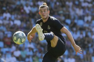 Gareth Bale dio la asistencia del primer gol, pero antes se mandó un jugadón. Foto EFE