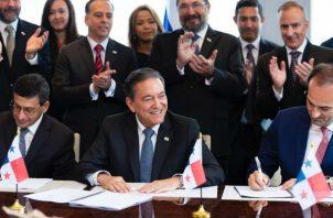 Producto de la gira de trabajo, Cortizo Cohen, firmó con el Citibank el compromiso de 2 mil millones de dólares en bonos.