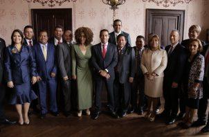 Los nuevos gobernadores fueron juramentados por el ministro de Gobierno, Carlos Romero Montenegro. Foto @MinGobPA