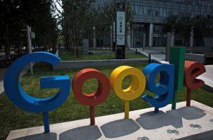 Google halló que en 2018 varios de sus trabajadores varones recibieron un salario inferior al de sus compañeras. Foto/EFE