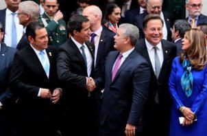 Varios mandatarios latinoamericanos acompañaron al presidente interino de Venezuela Juan Guaidó. FOTO/EFE