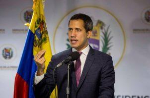 Juan Guiadó, presidente de la Asamble Nacional, no fue tomado en cuenta por los grupos minoritarios de la oposición para esta nueva etapa de diálogo. FOTO/EFE
