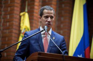 A mediados de mes, representantes de ambas partes participaron en un primer encuentro exploratorio en Noruega luego del agravamiento de la crisis por el fallido alzamiento militar del 30 de abril que encabezó Juan Guaidó .FOTO/EFE