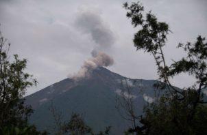 La actividad provocó caída de ceniza en las comunidades de Panimaché I, Morelia, Santa Sofía, Sangre de Cristo y Finca Palo Verde.