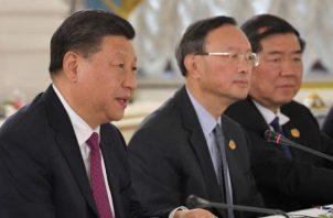 El presidente chino, Xi Jinping (primero a la izquierda). EFE