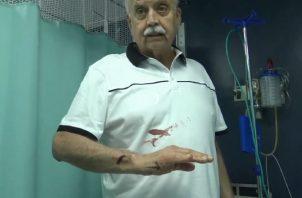 Recibió atención médica, tras ser golpeado a la salida de la iglesia Don Bosco. Foto de Twitter