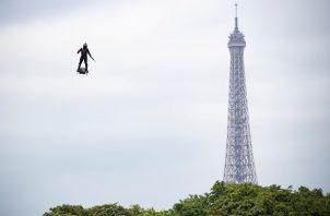 El intento tuvo lugar exactamente 110 años después de que Louis Blériot realizara el primer vuelo a través del Canal de la Mancha, en 1909.