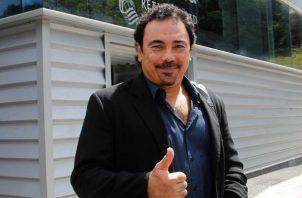 Hugo Sánchez no baja los brazos.