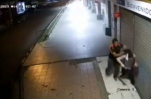 Se espera que las imágenes captadas en este video a través de la cámara de un establecimiento comercial en la ciudad de David.
