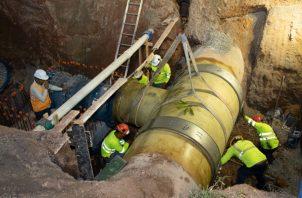 La línea de 30 pulgadas interconectada a la tubería de 60 pulgadas permitirá suministrar a futuro agua potable a cinco corregimientos urbanos del distrito de Capira y otros del distrito de La Chorrera. Foto/Eric Montenegro