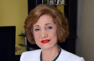La autora panameña más leída, Rose Marie Tapia.