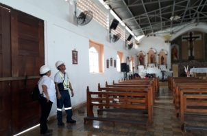 No hay riesgos inmediatos o necesidad de clausurar la iglesia, pero se hace necesario ordenar las reparaciones para evitar un mayor deterioro. Foto/Thays Dominguez