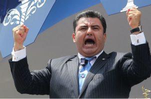En un principio, la fianza para García se fijó en 25 millones de dólares, pero la oficina que lidera Becerra pidió su aumento hasta los 50 millones de dólares por el temor de que pueda abonarla.