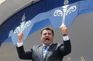 El dirigente religioso, mexicano de 50 años, fue detenido el lunes pasado en el aeropuerto de Los Ángeles cuando se disponía a salir de Estados Unidos.