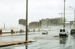 Las lluvias y tormentas se dieron esta madrugada en Uruguay. EFE/ Archivo