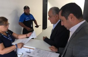 Luis Eduardo Camacho llevará reclamo a instancias locales e internacionales. Foto tomada de Twitter.
