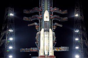 El cohete y el satélite estaban a salvo, y que el hidrógeno líquido y el oxígeno líquido _ambos altamente inflamables_ fueron removidos del cohete. FOTO/AP