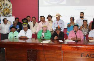 La dirigencia de los indígenas hizo una conferencia de prensa, luego del desplante.