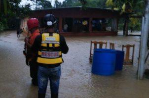 Las viviendas en Reparto Bayano quedaron nuevamente inundadas por el desbordamiento de una quebrada.