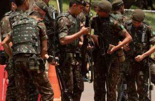 Con un refuerzo policial insólito en las calles y bloqueos en diferentes puntos de la ciudad, Brasilia amaneció blindada para la toma de posesión del futuro presidente, Jair Bolsonaro. FOTO/EFE