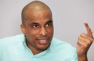 Jair Peralta fue jugador y ahora preside la federación de baloncesto. Foto Anayansi Gamez
