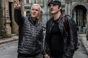 El productor James Cameron y el director Robert Rodríguez en el 'set' de  'Alita'.