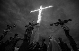 En ti hay dignidad plena, colgado desnudo en esa cruz, ensangrentado, con dolores tremendos en manos y pies. Foto: Archivo.