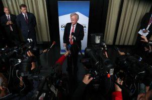 El asesor de Seguridad Nacional de la Casa Blanca, John Bolton, en rueda de prensa en Lima. Foto: EFE.