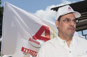 El partido Alianza, quien eligió a a José Domingo Arias como candidato presidencial, pidió a los independientes que no justifiquen sus dificultades con comparaciones que no aplican.  Víctor Arosemena