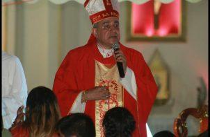 El arzobispo de Panamá, José Domingo Ulloa, durante la celebración del Domingo de Ramos. Foto @ArquiPanama