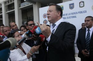 Presidente Juan Carlos Varela pone el pecho por su hermano en tema de planillas de la Asamblea. Foto: Víctor Arosemena.