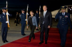 Presidente Juan Carlos Varela y Rolando López viajan juntos hacia Estados Unidos. Foto: Embajada de Colombia en Panamá.