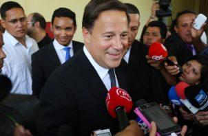 Juan Carlos Varela se fue en gira oficial con 'Picuiro' y otros cuatro altos funcionarios. Foto: Panamá América.