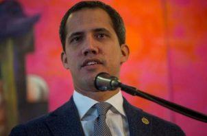 """El líder opositor informó que se comunicó con las autoridades de Perú y que el representante que designó en ese país, Carlos Scull, """"está haciendo una labor importante para atender los casos""""."""