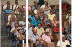 Los jubilados además del bono está solicitando un incremento en las pensiones.