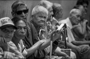 En la actualidad no existen programas que busquen el aprovechamiento de las experiencias y sabiduría de las pensionados. Foto: EFE