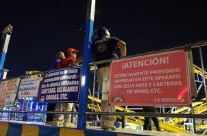 La rueda del aparato fue reparada y el cuerpo de bomberos revisó que estuviera en condiciones para seguir operando. Foto/Mayra Madrid