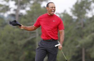 Tiger Woods ganó el domingo su major número 15.